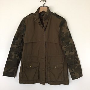 Army style camo sleeve jacket Size small cute